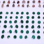 Cabochons available in many colors!