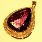 Brilliant Design - 18kt gold Amethyst Pendant