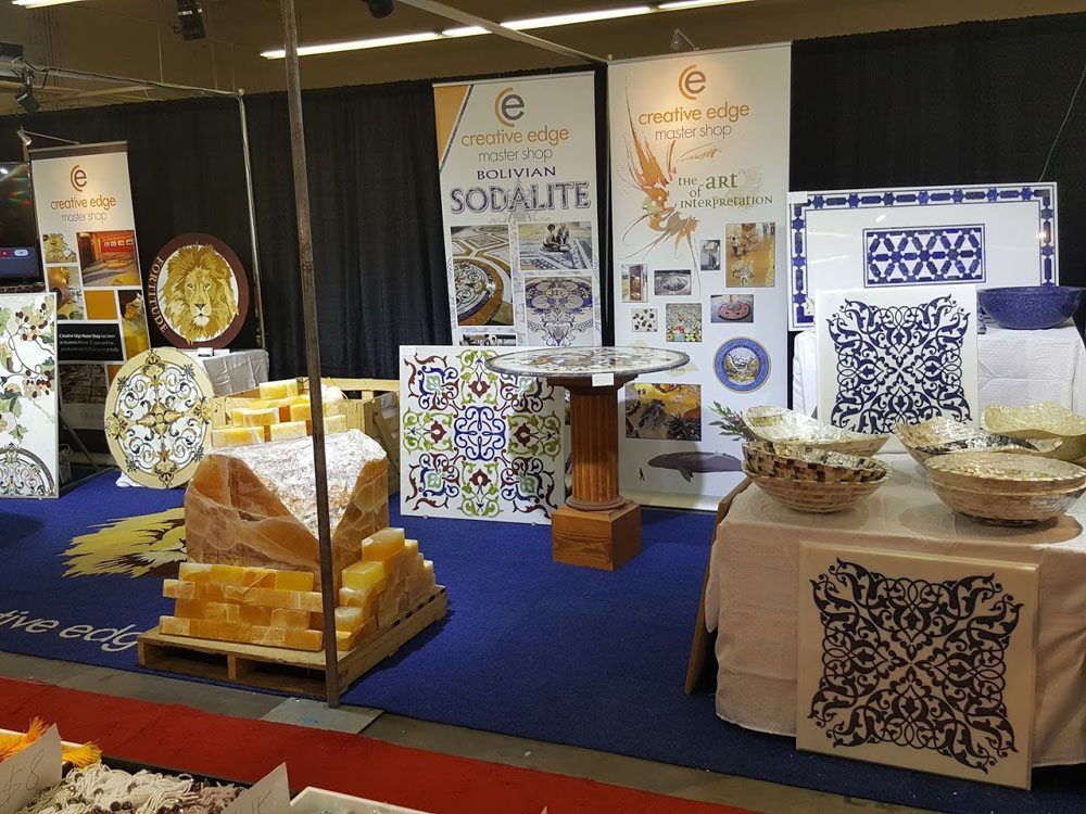 Jogs stone and mineral decor pavilion at the tucson gem show for Table decor international inc